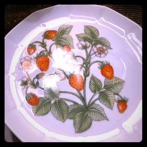 Strawberry 9 inch plates